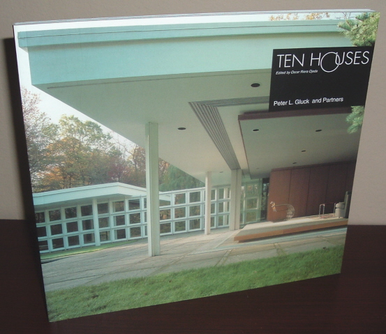 Image for Ten Houses: Peter L. Gluck and Partners